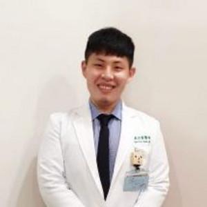 陳右霖精神科醫師